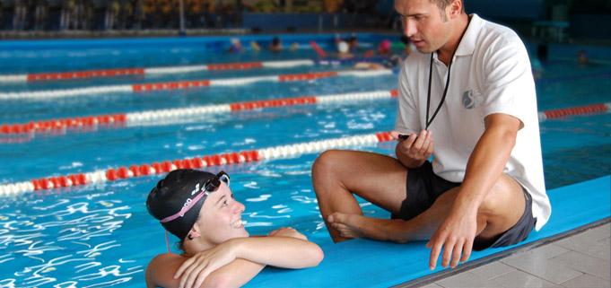 Lezioni individuali di scuola nuoto per adulti e bambini